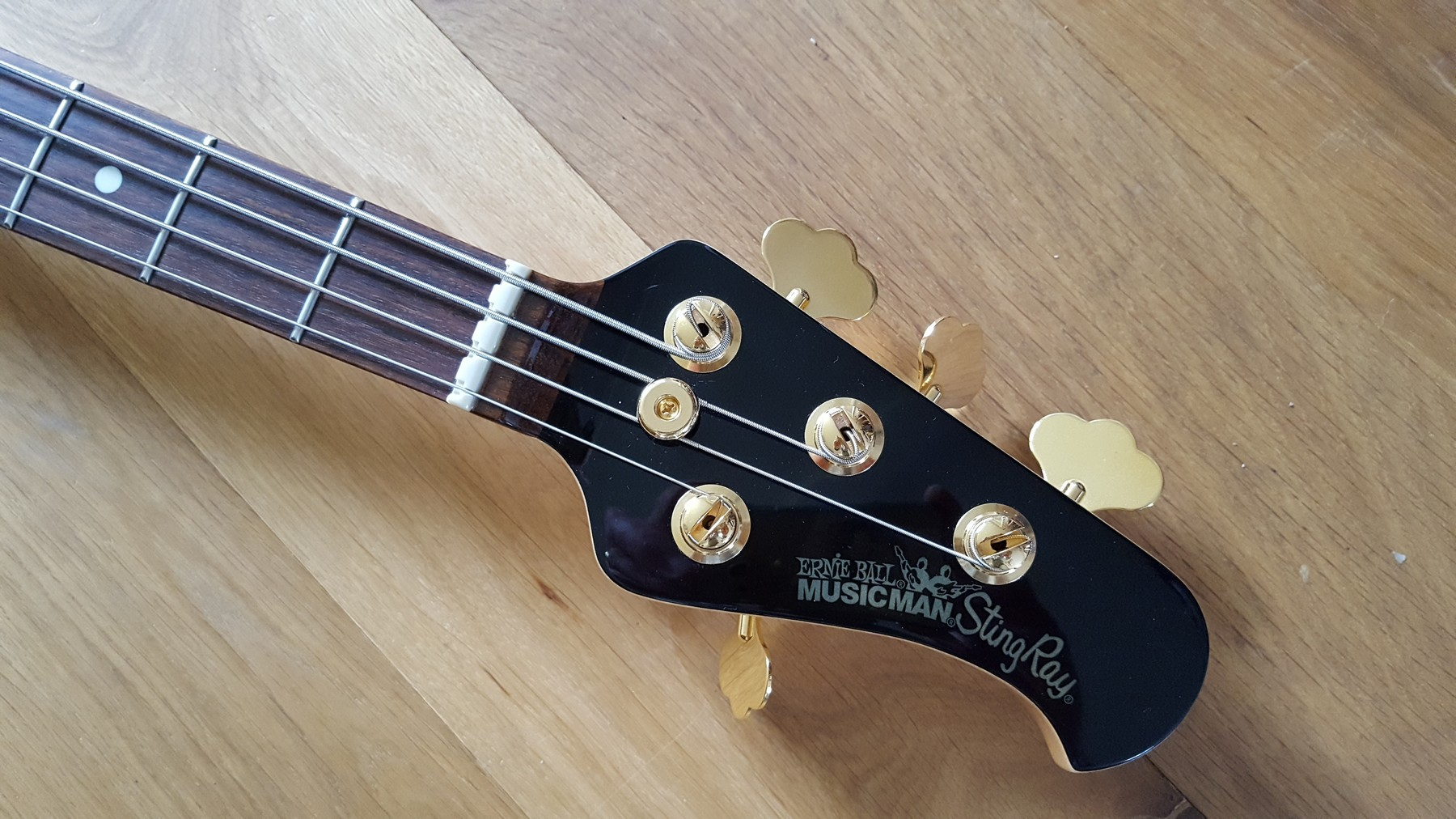 sold musicman stingray bass 3eq 2006 limited edition classic cool guitars. Black Bedroom Furniture Sets. Home Design Ideas