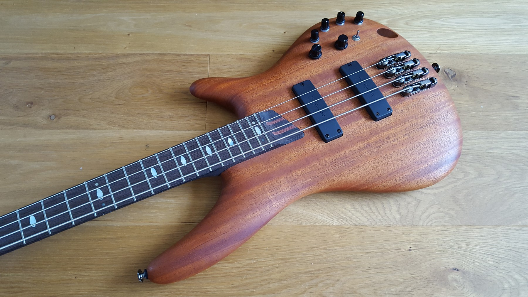 sold ibanez sr4000e prestige bass made in japan classic cool guitars. Black Bedroom Furniture Sets. Home Design Ideas