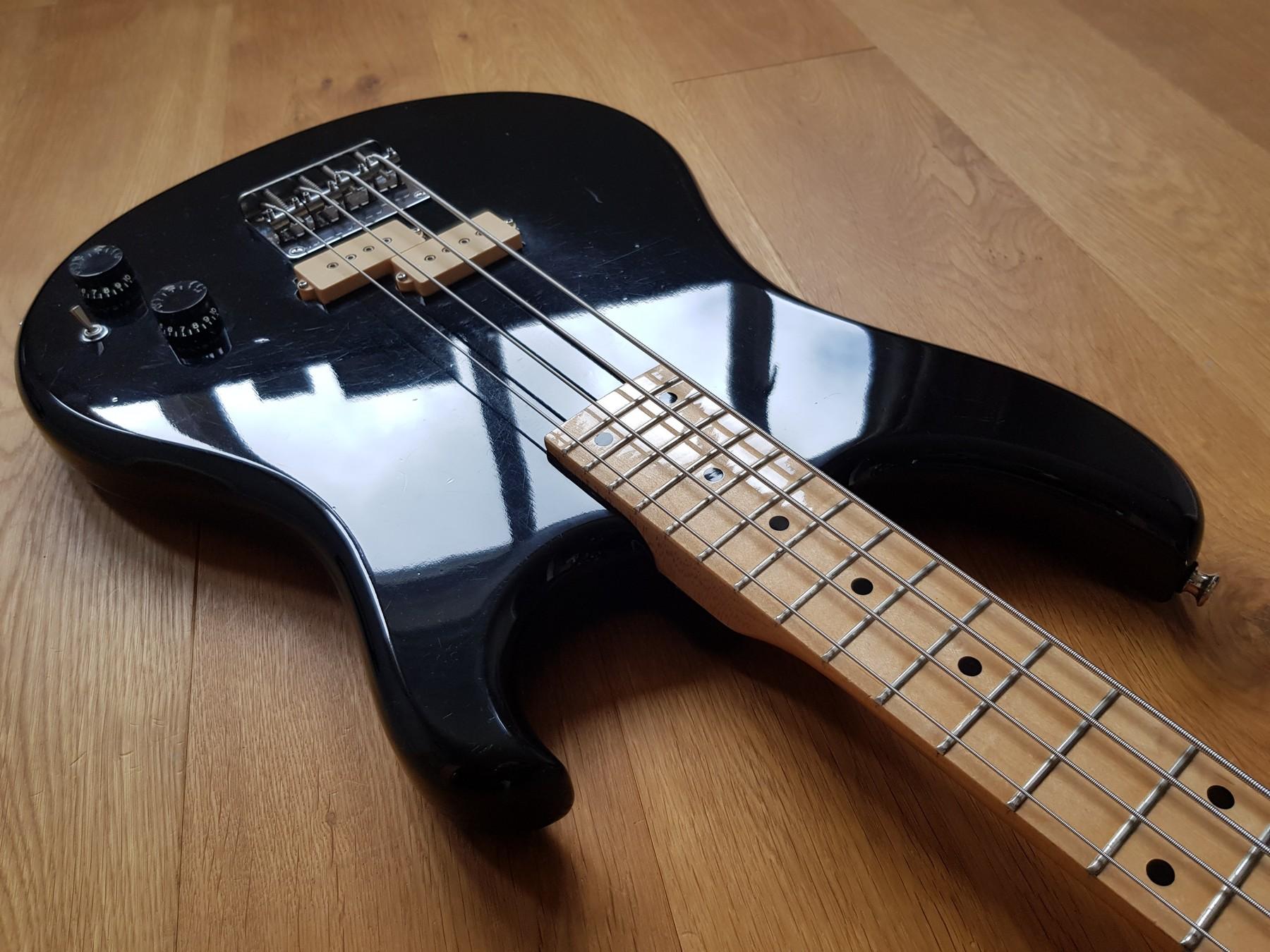 vox bass guitar